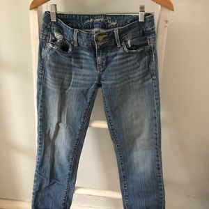 American Eagle Cropped Jeans Size: 4